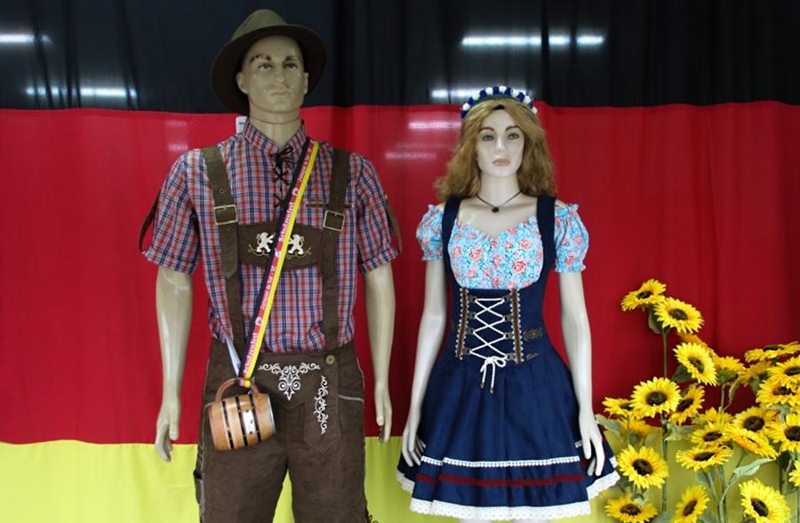 Garanta o seu traje típico para a Schützenfest na loja Ramire em ... f832e6e5b59