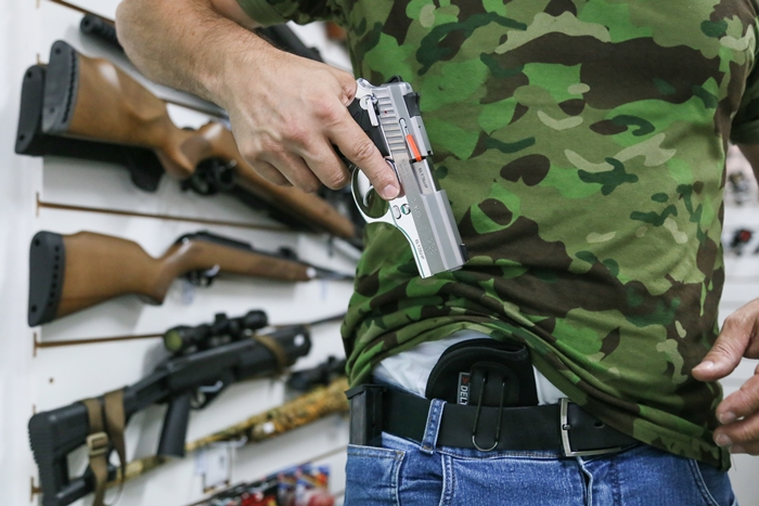 Preço de um revólver pode chegar na casa dos R$ 6 mil | Foto Eduardo Montecino/OCP News