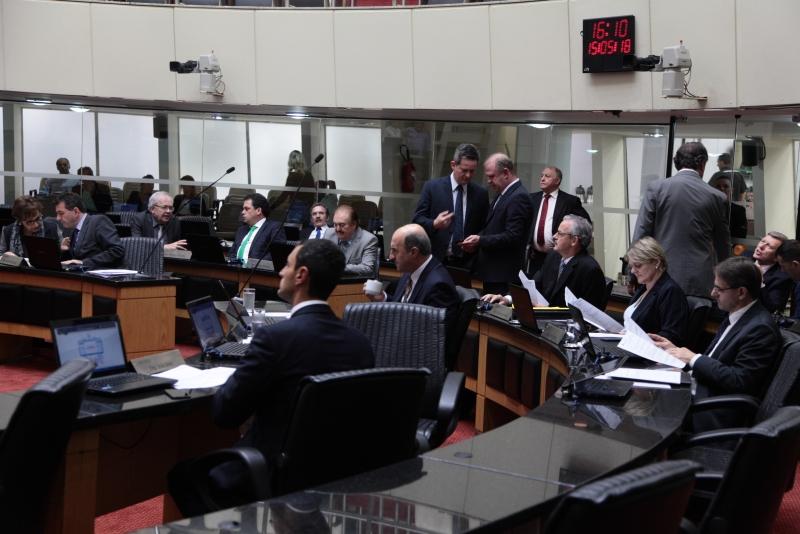 Destaque da sessão ordinária foi a ampliação da estrutura de pessoal do Poder Judiciário | Foto Alesc/Divulgação