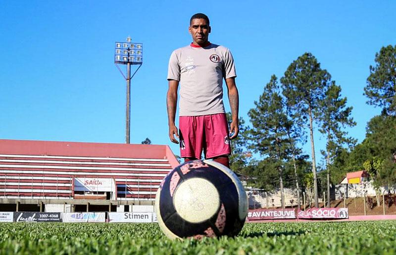Jônatas Obina já iniciou as atividades físicas, visando a estreia na Série B I Foto: Eduardo Montecino/OCP