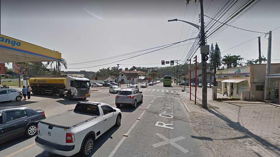 Prefeitura de Joinville diz que a mudança trará fluidez no cruzamento da rua Ottokar Doerffel e rua Gothard Kaesemodel, a avenida Marquês de Olinda | Imagem Google Maps