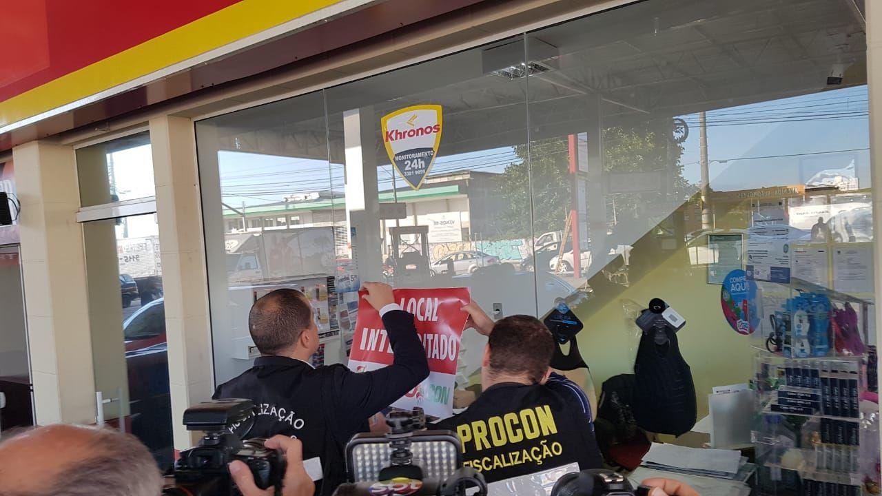 Posto em Florianópolis foi interditado por 24 horas Foto Divulgação/PMF