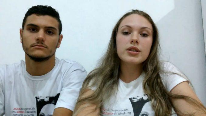 Renato Henrique Openkoski e Aline da Cunha Souza, pais do menino Jonatas   Foto Arquivo