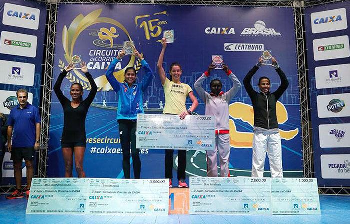 Corredora de Jaraguá do Sul (C) segue em grande fase na temporada I Foto: HT Sports/Circuito Caixa