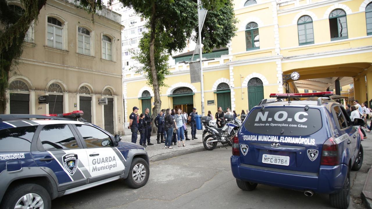 Fiscalização na manhã desta quarta-feira (Foto: Leonardo Sousa / PMF)