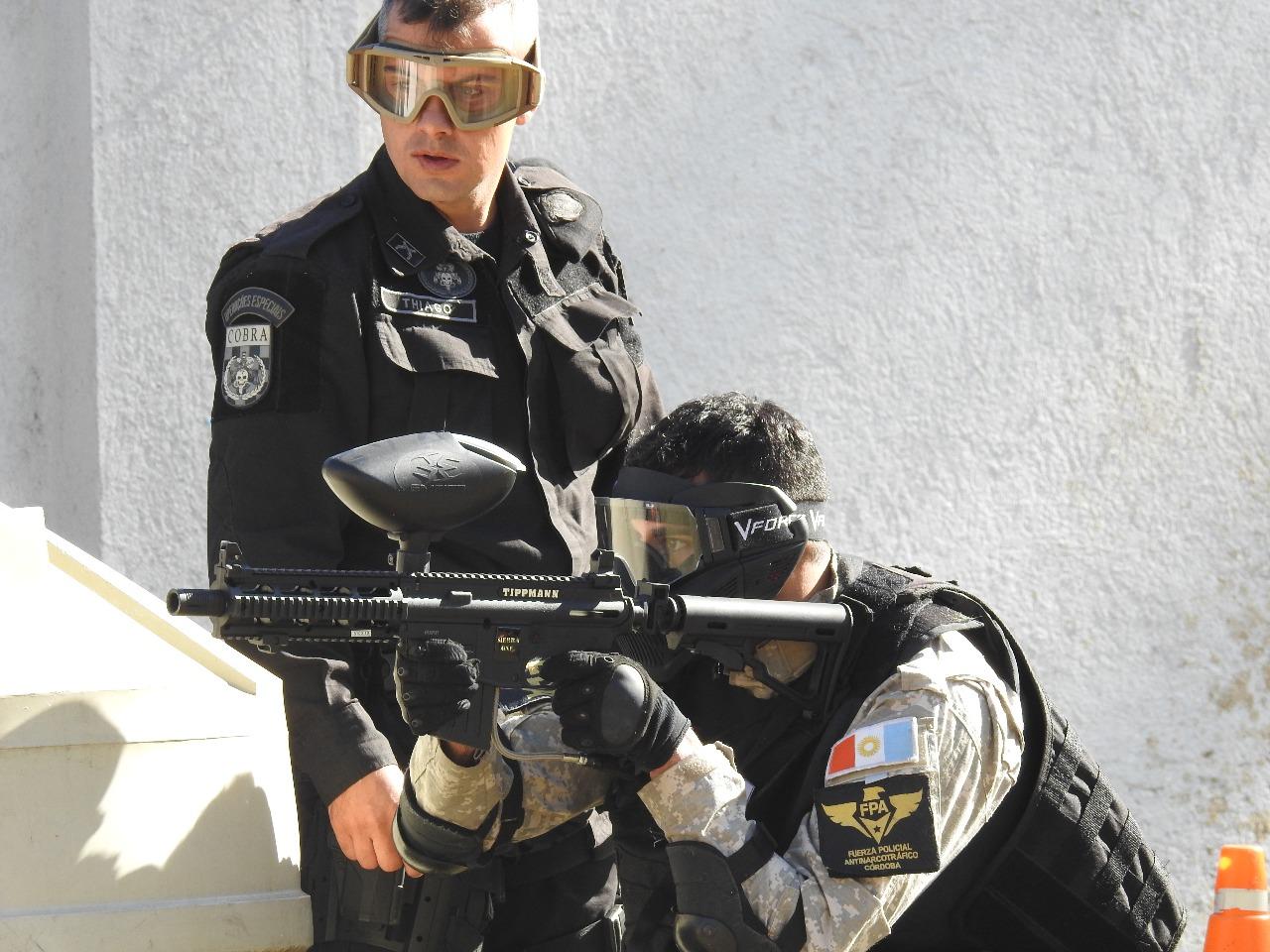Policiais de Santa Catarina levaram seus conhecimentos para os colegas argentinos Fotos Divulgação