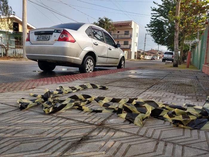 Crime ocorreu na rua Hercílio Anacleto Garcia, mesma rua onde estava carro da vítima | Foto Fábio Junkes/OCP