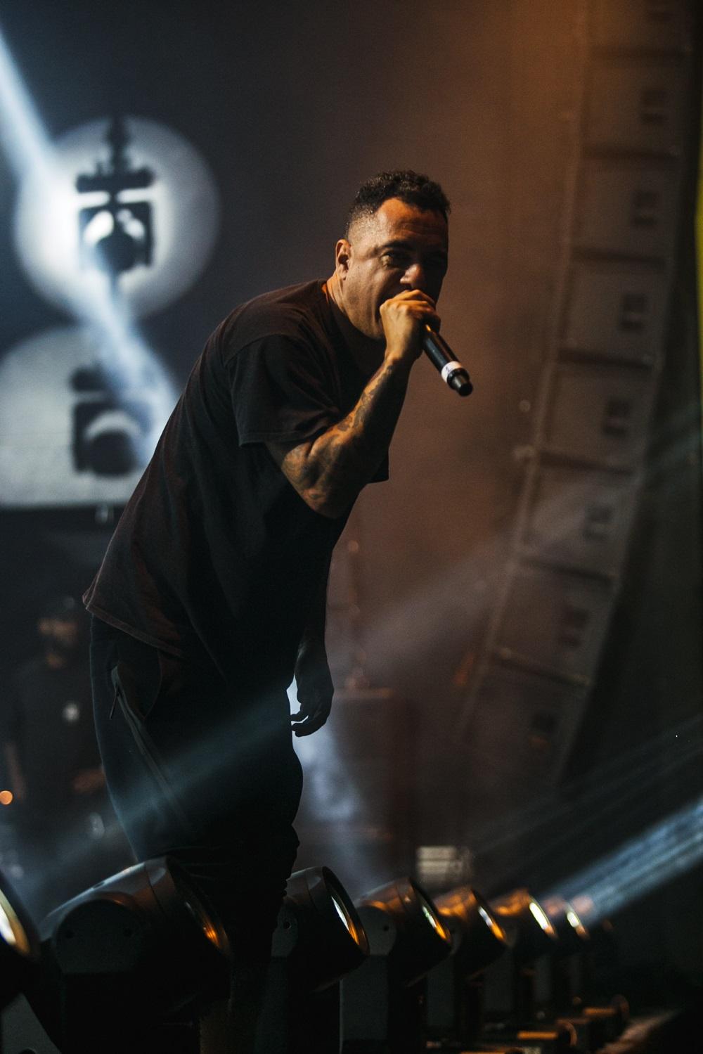 D2 cantando as melhores no palco da Stage | Foto Caio Graça | Grupo All.