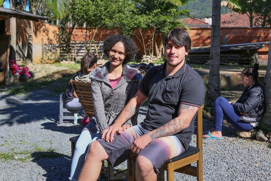 Natural da Bahia, Zoraide se encantou pela cidade, onde conhece o companheiro Maurício | Foto Eduardo Montecino/OCP News