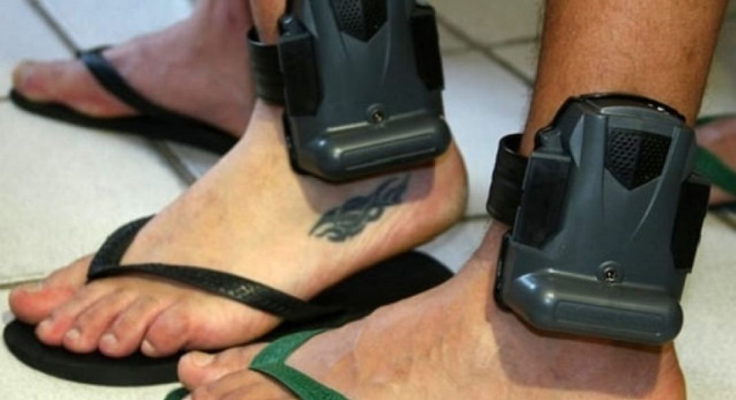 Uma das alternativas para desafogar sistema, é ampliar uso de tornozeleira eletrônica | Foto: Divulgação