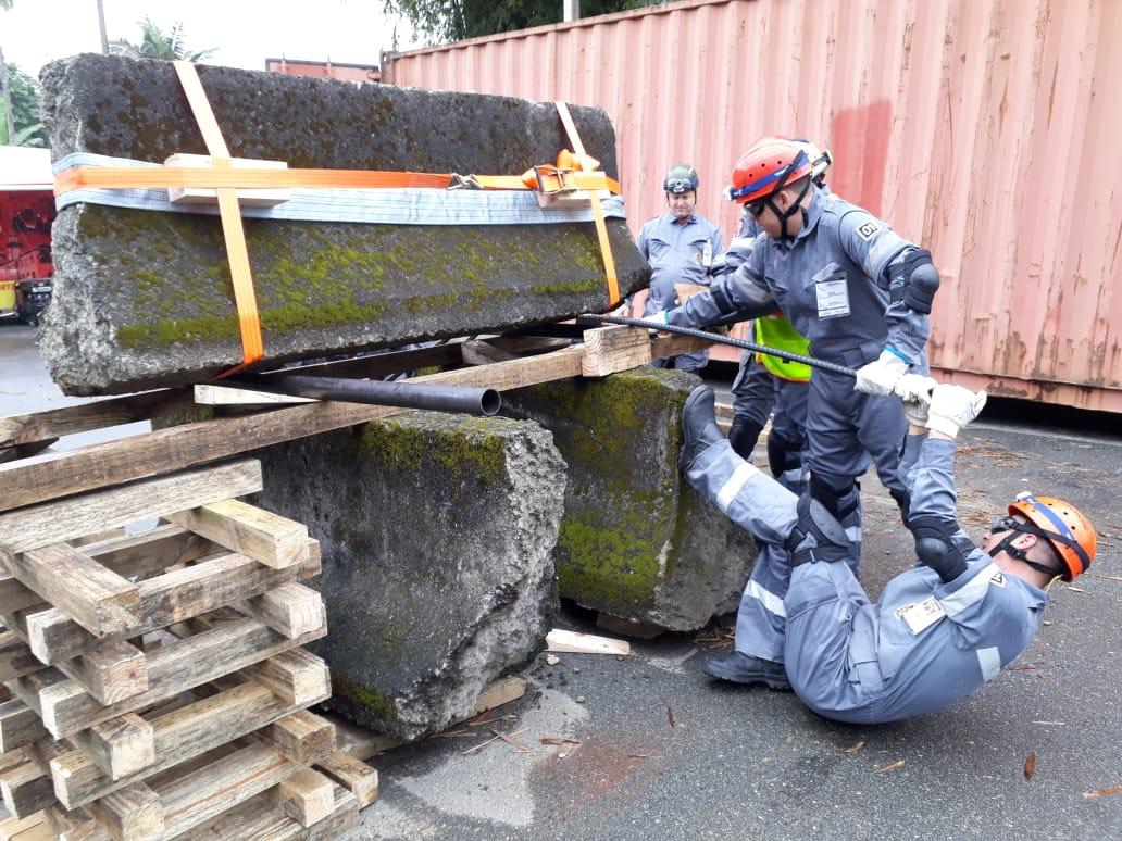 Instrução de levantamento, deslocamento e suspensão de carga | Foto Divulgação/CBVJ