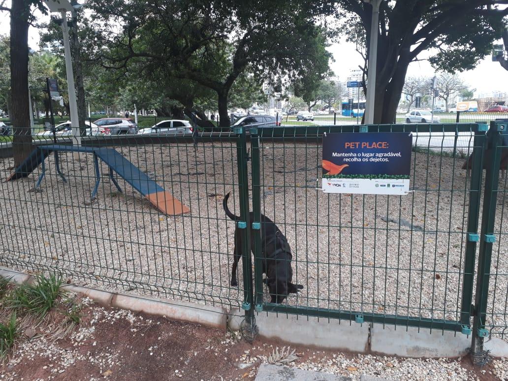 Praça Celso Ramos já possui um Pet Place | Foto Ewaldo Willerding/OCPNews