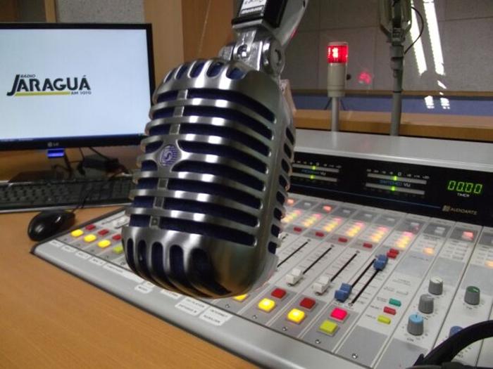 Grandes locutores nacionais já passaram pelos microfones da Rádio Jaraguá | Foto Divulgação