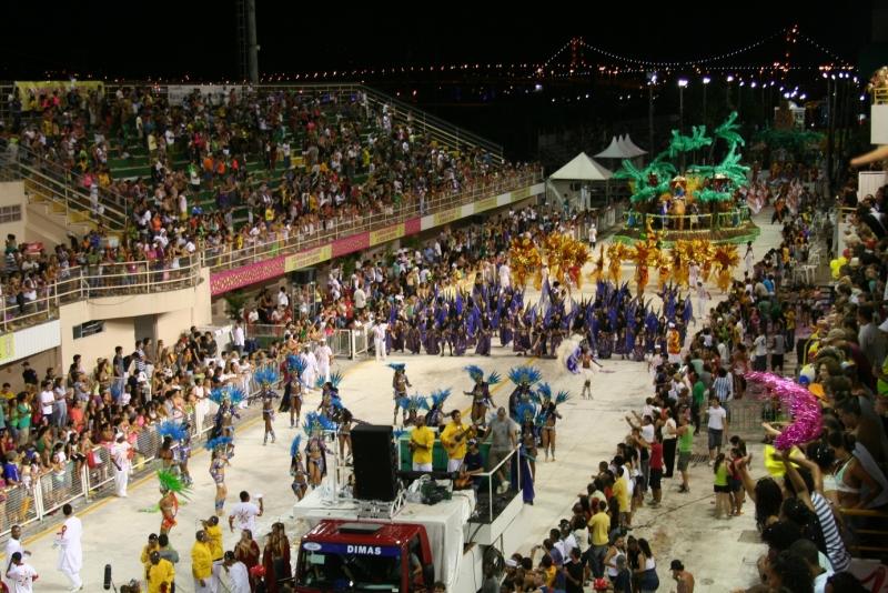 Nova lei pretende que público possa comparecer também no segundo dia de desfile | Foto Mauro Vaz/PMF/Divulgação