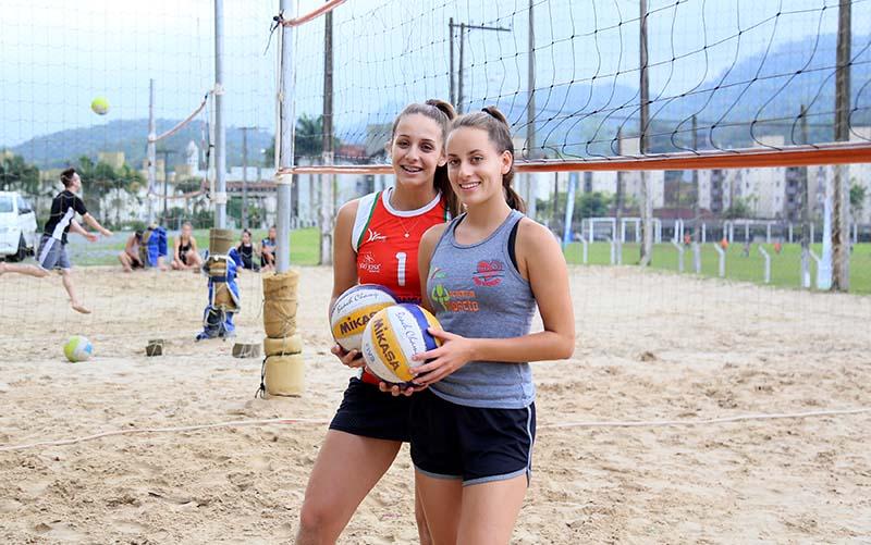 Com grandes resultados na temporada, Helena (E) e Larissa (D) projetam disputar os Jogos de 2020, nos Estados Unidos | Foto: Eduardo Montecino/OCP News