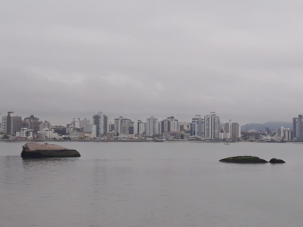 Previsão de mais um dia de tempe fechado em Florianópolis | Foto Ewaldo Willerding/OCPNews