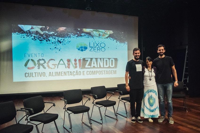 Organizadores do Fórum Organizando 2017 com Professora de Yoga e autora de livros sobre alimentação, Laura Packer | Foto Jéssica Michels/Divulgação