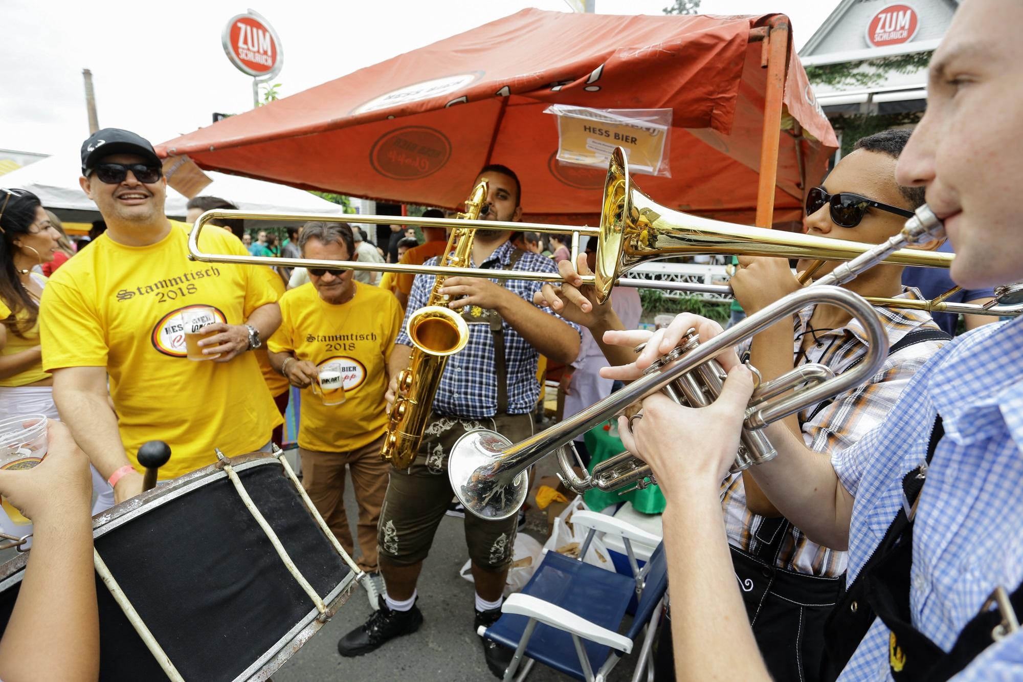Amigos, gastronomia e muita música boa | Fotos Elton Costa/Divulgação/CDL Joinville