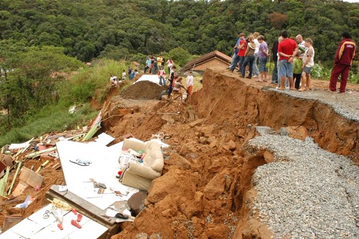 Tragédia de 2008 deixou lições para o poder público e para a população | Foto Arquivo OCP News