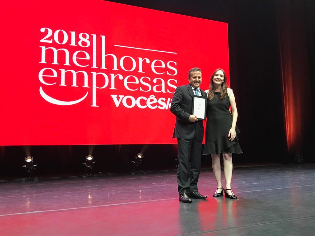 Diretor de RH e de Relações Institucionais da WEG,  Hilton Jose da Veiga Faria recebeu o troféu nesta Terça-Feira, no Teatro Alfa, em São Paulo   Foto Sando de Oliveira