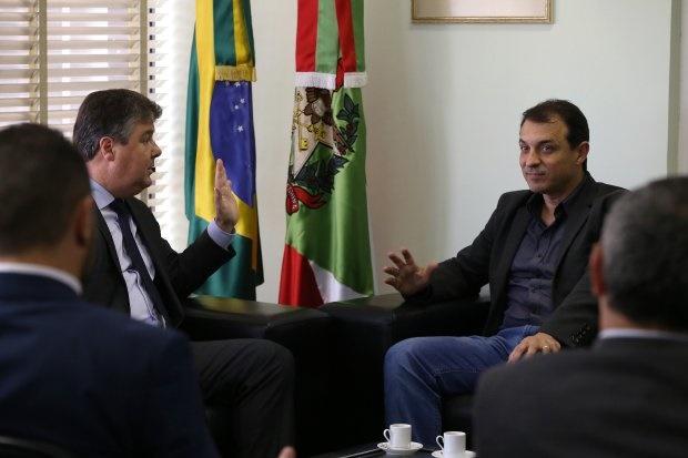 Reunião foi de aproximação, diz governador eleito Carlos Moisés | Foto Maurício Vieira/Secom