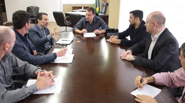 Equipe de 11 pessoas é coordenada por professor da UFSC, Luiz Felipe Ferreira | Foto Jeferson Baldo/Secom