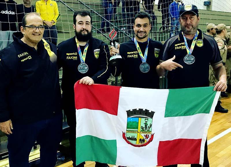 Atleta e membro da comissão técnica não renovam com o Jaraguá Futsal 0e4d6fca26e87