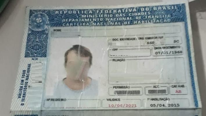 Motorista confirmou a falsificação da carteira | Foto PRF/Divulgação