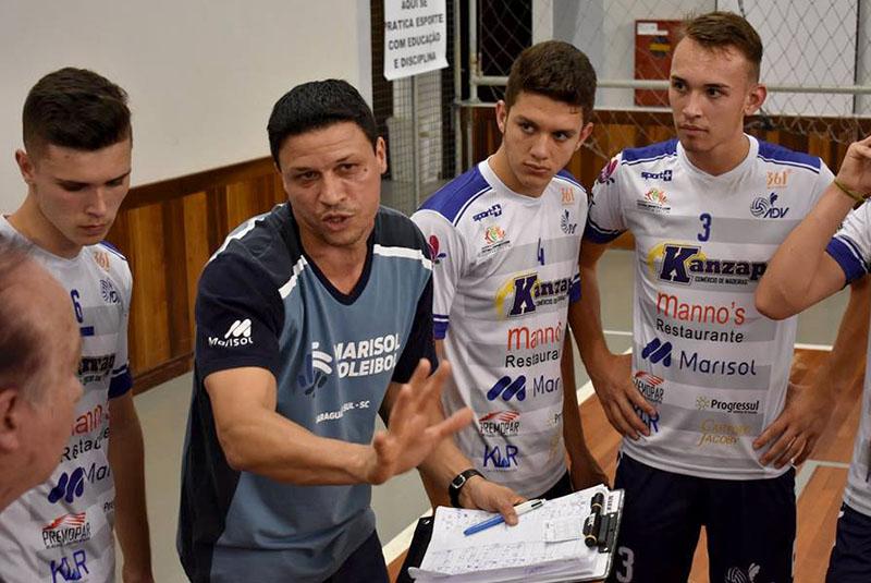 Técnico da ADV, Luiz Carlos Kadylac (camisa azul) comandará as avaliações pelo segundo ano consecutivo | Foto Paulo Vitor Sauer/Secel