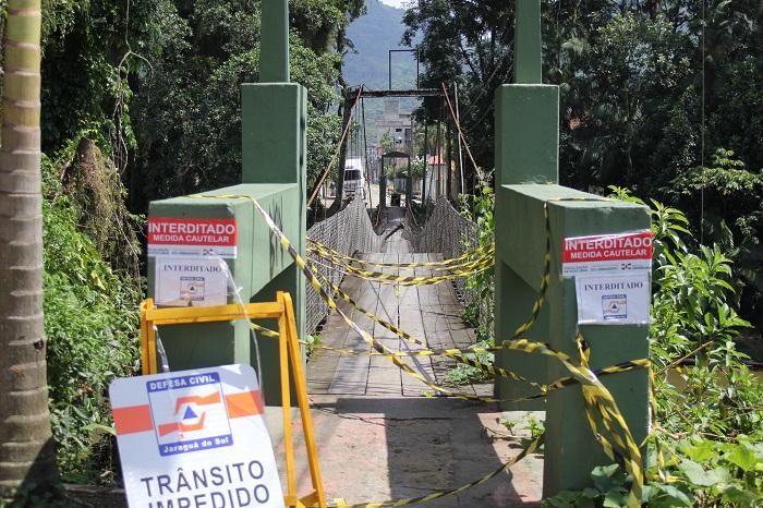 A defesa civil precisou colocar novas placas no local após a população retirar a sinalização colocada anteriormente | Fotos Renan Reitz/OCP News