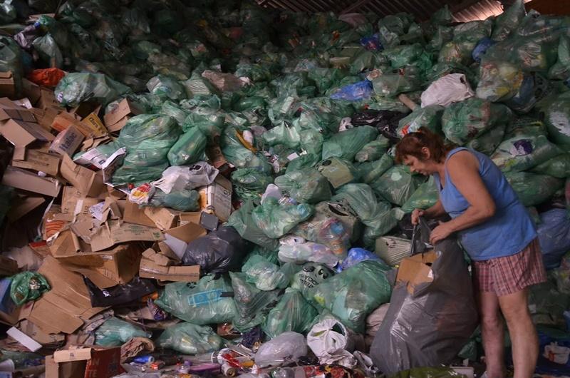 Com aumento na reciclagem, cooperativas de catadores recebem mais material, gerando emprego e renda | Foto Eduardo Montecino / OCP News