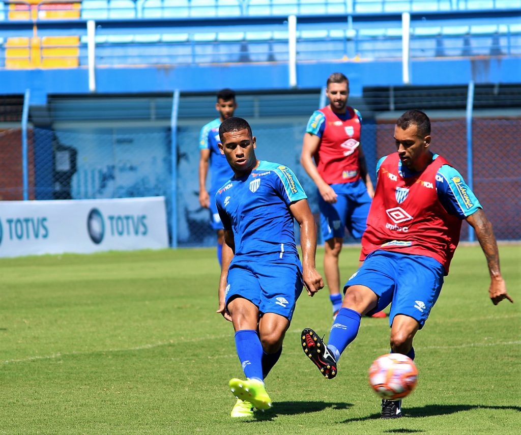 Luan Pereira (E) pode ter chance neste domingo em Tubarão | Foto André Palma Ribeiro/AFC