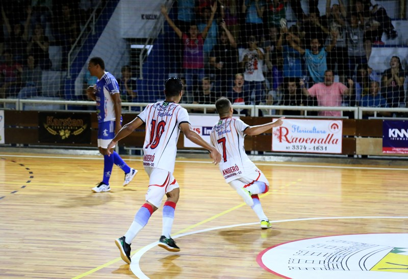 Atual campeão, Angerô está garantido na semifinal | Foto Lucas Pavin/Avante! Esportes