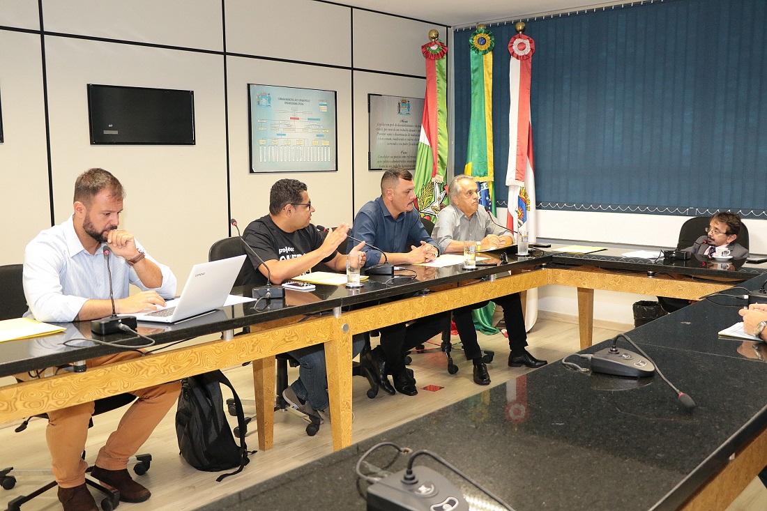 Comissão especial se reuniu pela primeira vez na tarde de quarta-feira (20) | Foto Édio Hélio Ramos/CMF
