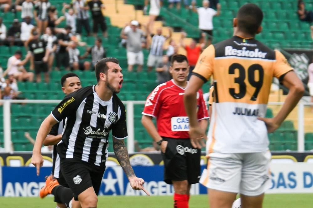 William Popp fez o gol do Figueirense | Foto Hermes Bezerra/OCPNews