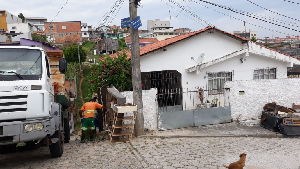 Coleta ajuda no combate ao mosquito da dengue   Foto PMF/Divulgação