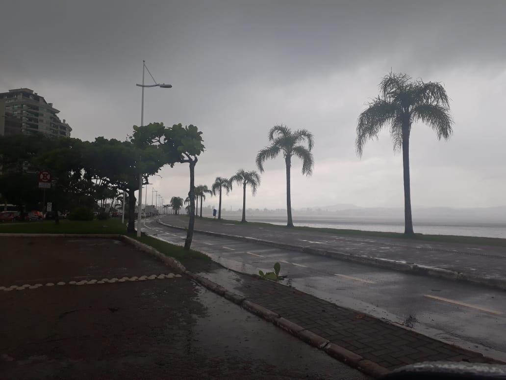 Domingo será de chuva em toda a região da Grande Florianópolis | Foto Ewaldo Willerding/OCPNews