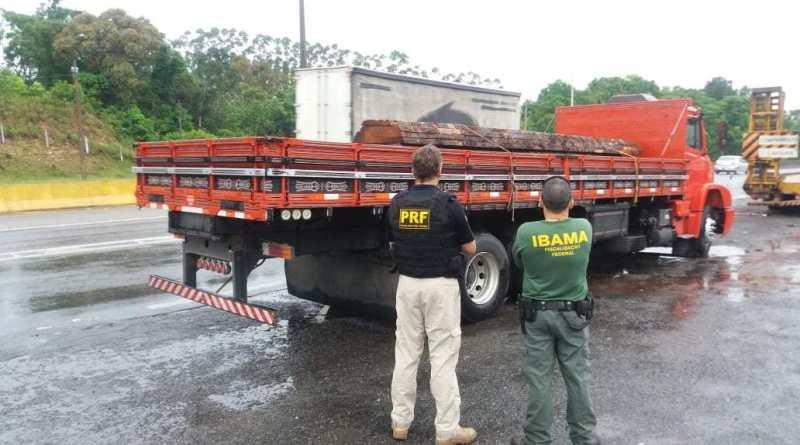 Além disso, o caminhoneiro estava com a habilitação vencida e o veículo com várias irregularidades   Foto PRF