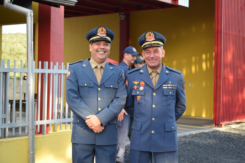 Subtenente Vilmiz (à direita) será substituído pelo subtenente James Russell de Souza Lima   Foto Divulgação/Prefeitura de Campo Alegre