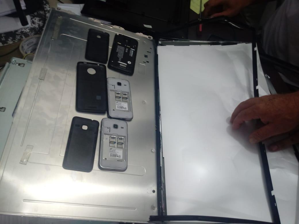 Aparelhos acoplados em duas TVs foram interceptados na tarde desta sexta-feira (22) | Foto Divulgação/Deap