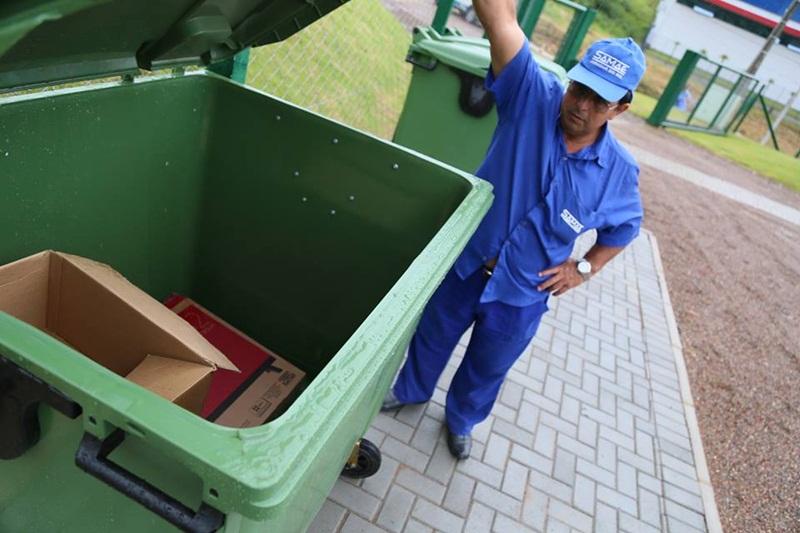 Nas primeiras horas de funcionamento do PEV, população realizou o descarte de materiais | Foto Eduardo Montecino/OCP News