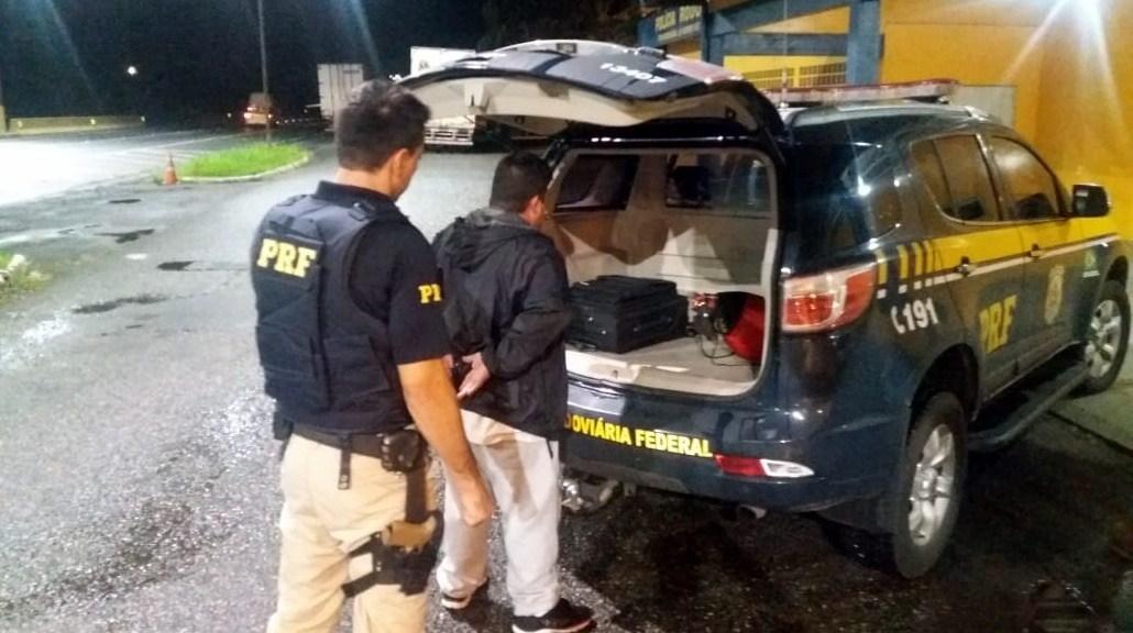 Suspeito alegou que comprou o veículo de um desconhecido por meio de rede social | Foto PRF