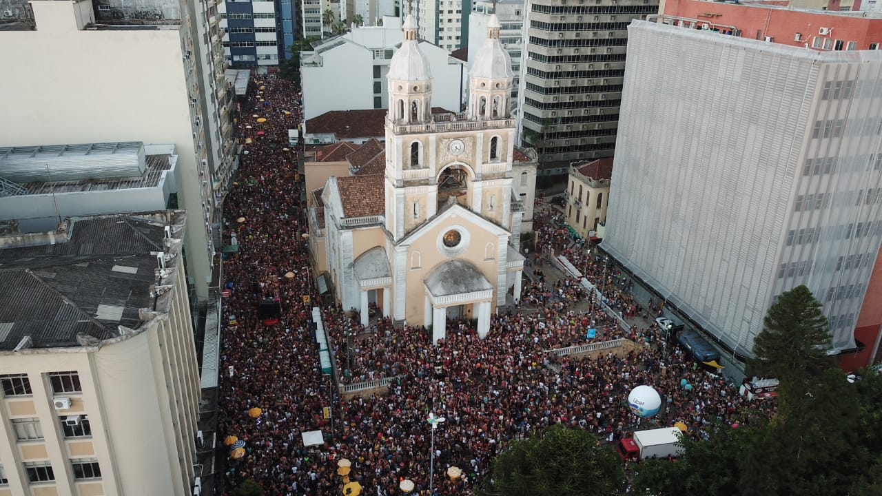 Presença dos foliões no centro da Capital no sábado deu mostras do movimento econômico na cidade | Foto PMF/Divulgação