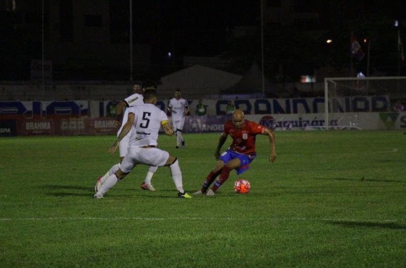 Empate com o Marcílio em noite de estádio lotado em Itajaí |  Bruno Golembiewski, CN Marcílio Dias