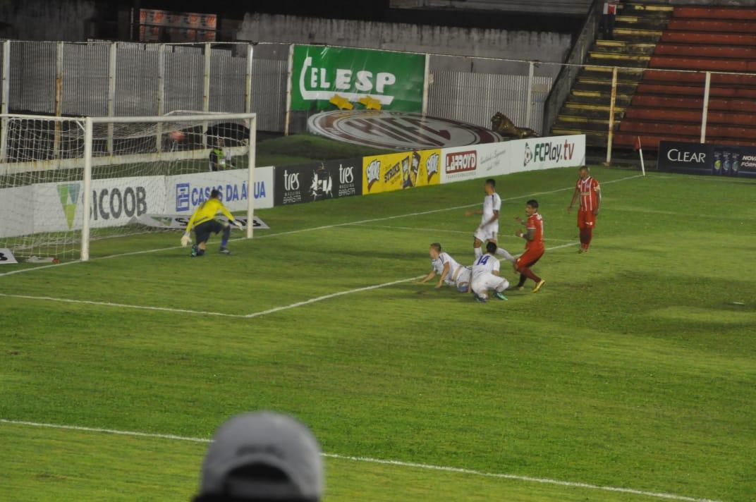 Kayron fez o gol do Hercílio Luz na vitória sobre o Avaí | Foto Marcos Giraldi