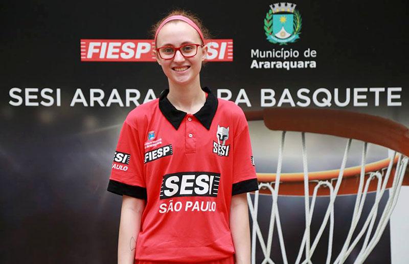 Aos 19 anos, Julia foi apresentada no Sesi Araraquara na última semana | Foto Divulgação/Sesi Araraquara Basquete Feminino
