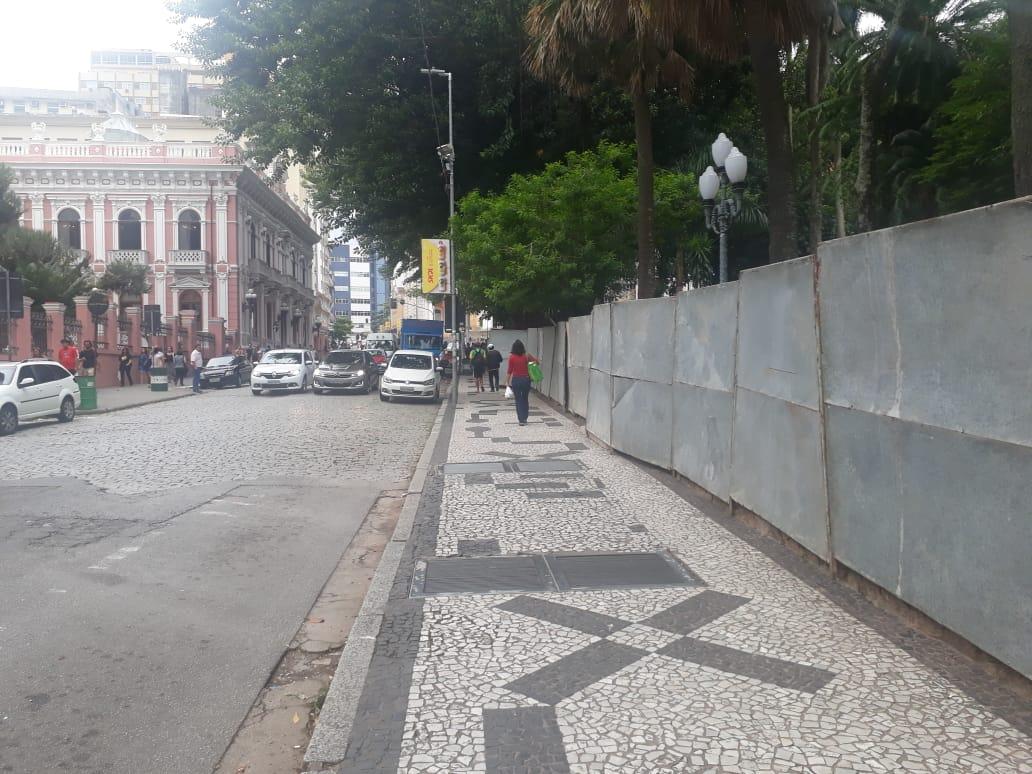Praça XV passa por melhorias durante o Carnaval | Foto Ewaldo Willerding/OCPNews