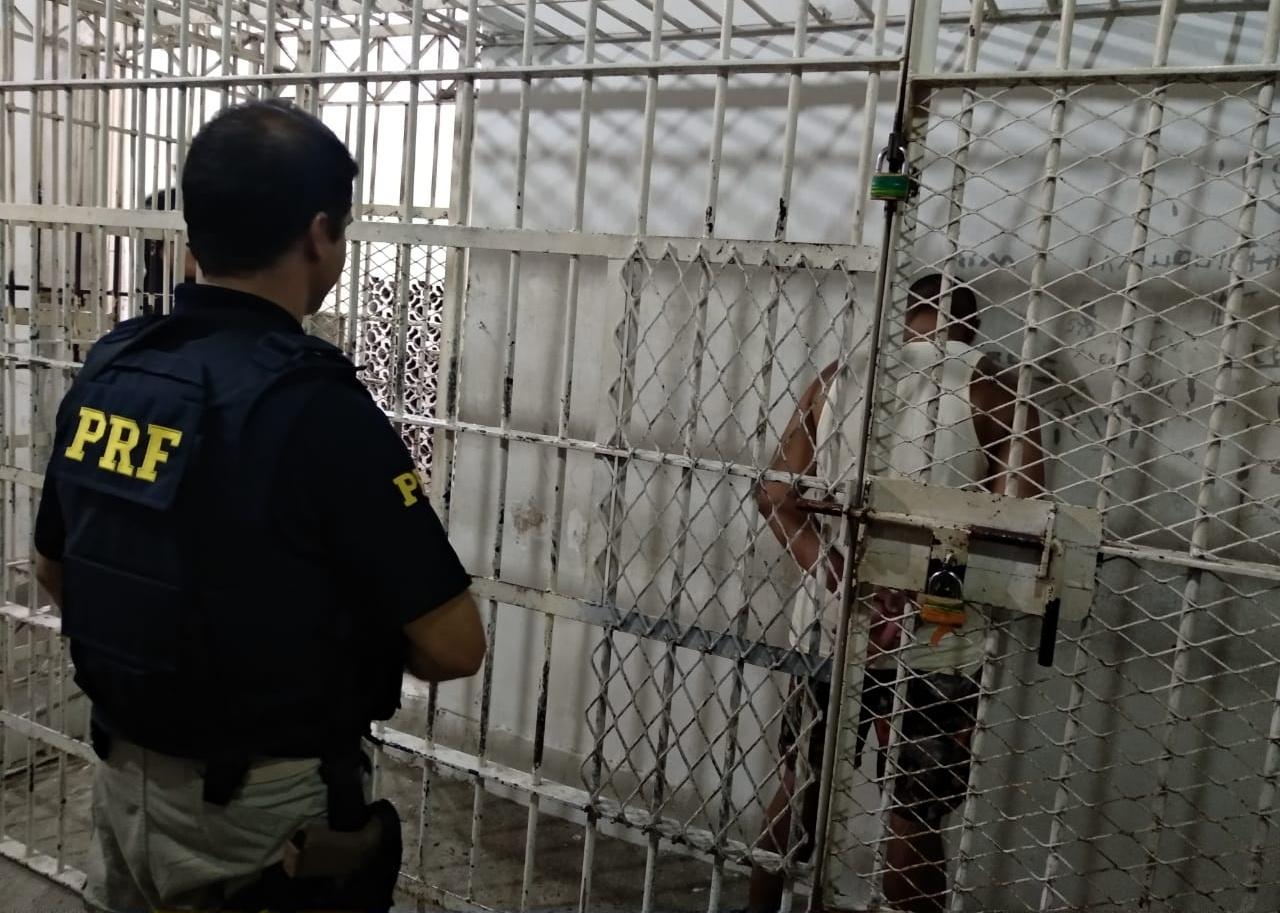 Homem não portava documento e, inicialmente, apresentou um nome falso | Foto PRF/Divulgação