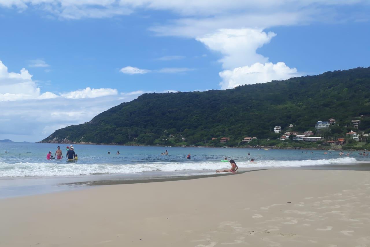 Florianópolis terá mais um dia quente com convite para ir à praia | Foto Ewaldo Willerding/OCPNews