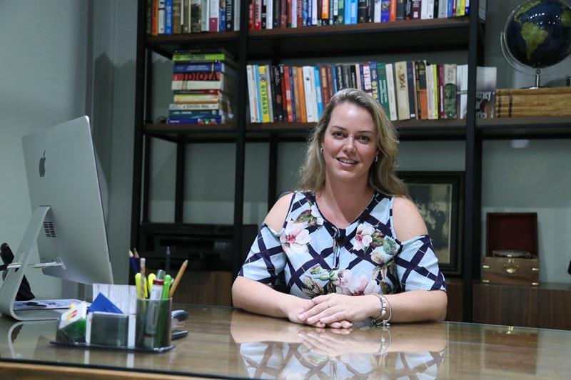 Chefe de gabinete e vice-presidente do MDB de Jaraguá do Sul, Emanuela Wolf vê no dia-a-dia necessidade de conscientização da mulher de seu papel na sociedade | Foto Eduardo Montecino/OCP News